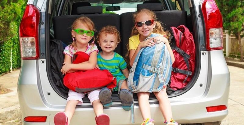 Viajas con niños en el coche 7 trucos para viajar con ellos